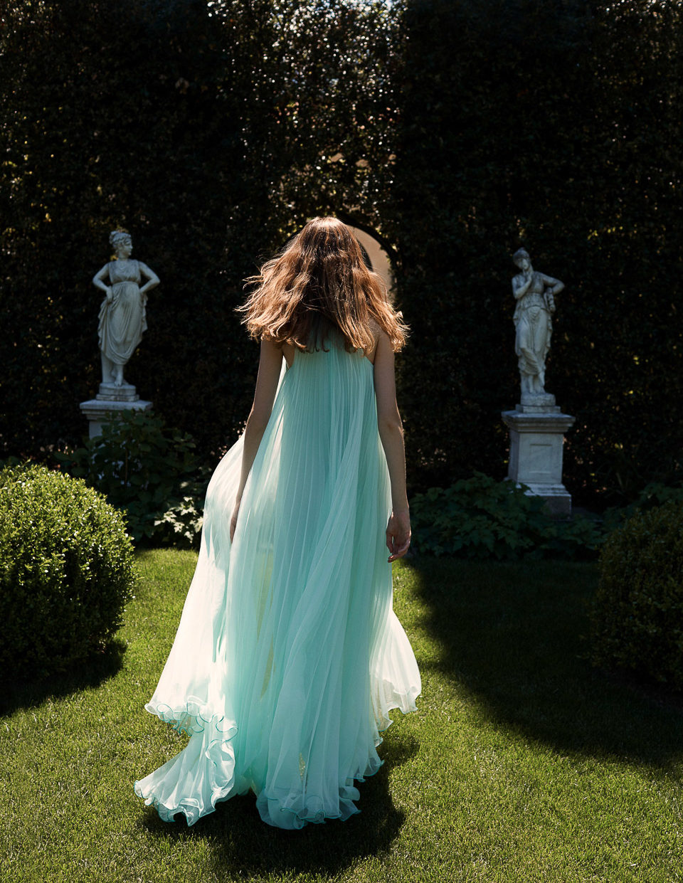 Monique Lhuillier Spring Heritage collection fashion shoot Villa Balbiano exclusive private property luxury residence property private rent rental Lake Como Milan Italy fashion e1569595056760
