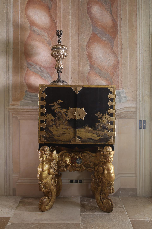 Villa Balbiano exclusive luxury property 17 century Durini Lake Como Milan grand floor antique collection cabinet Coromandel