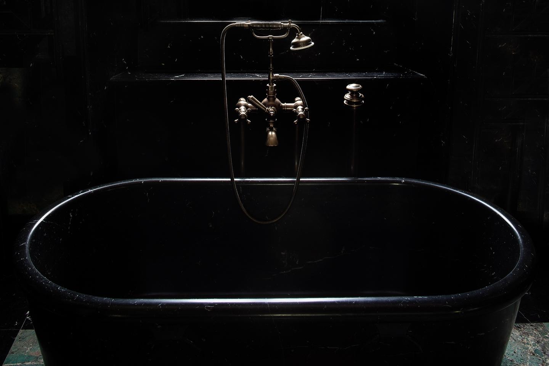 Villa Balbiano lake Como luxury accommodation master suite ensuite extravagant black marble bathroom bath tub best service client comfort