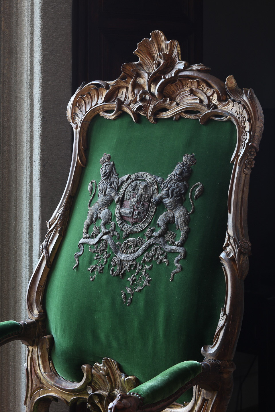 Villa Balbiano luxury exclusive property Lake Como Milan best service grand floor antique armchair coat of arms collection marble