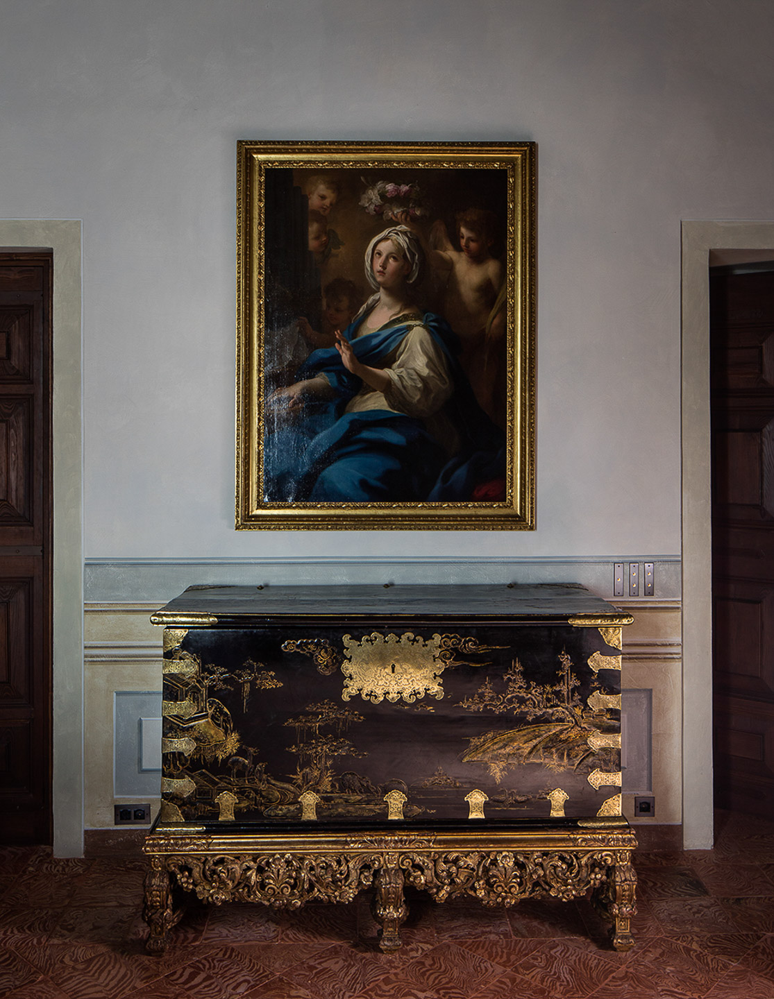 Villa Balbiano luxury exclusive property villa private residence Durini best interiors service blue suite bedroom Coromandel Chinese chest Saint Cecilia painting