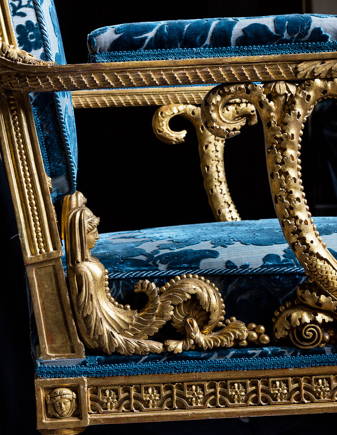 Villa Balbiano luxury private estate on lake Como unique art collection 18th century blue chair from Habsburg royal family collection detail 27.left000VB int