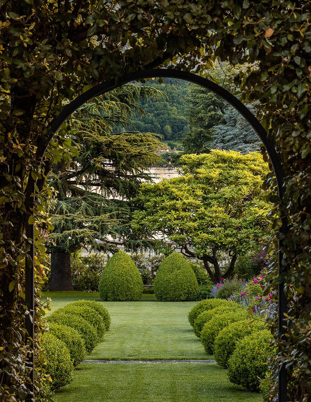 Villa Balbiano luxury property Lake Como Italy best lanscape lawn wedding event ceremony venue topiary privacy exclusivity chic