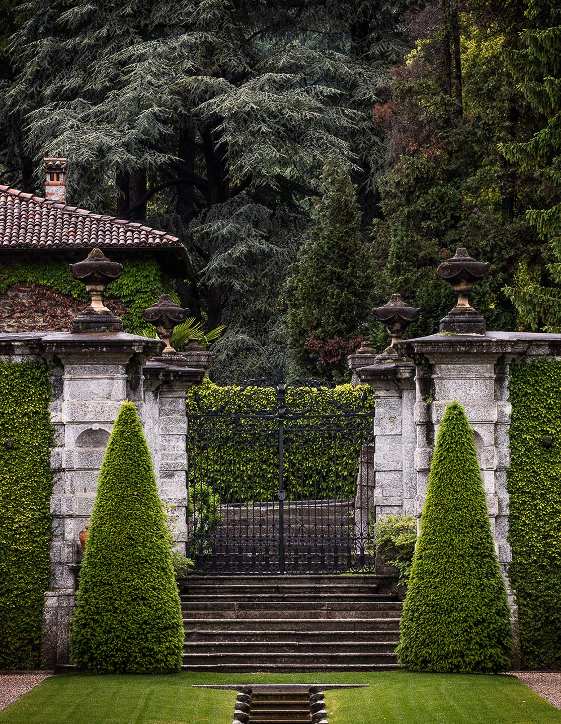 Villa Balbiano luxury property Lake Como Italy main original beautiful famous gate cardinale Durini residence 17 century access wedding ceremony exclusive events guests