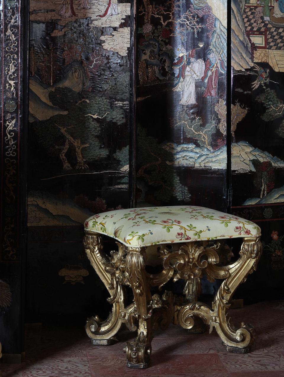 Villa Balbiano luxury property Lake Como Milan Italy classic best interiors exquisite suites bedrooms lavish decor decoraion impecable service frescos e1573583771549
