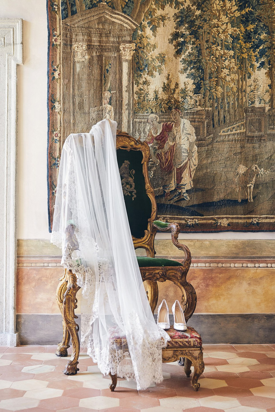 Villa Balbiano luxury property Lake Como Milan Italy exclusive private rent rental destination weddings events cememony elopement engagement antique Italian throne in the gallery first floor 1
