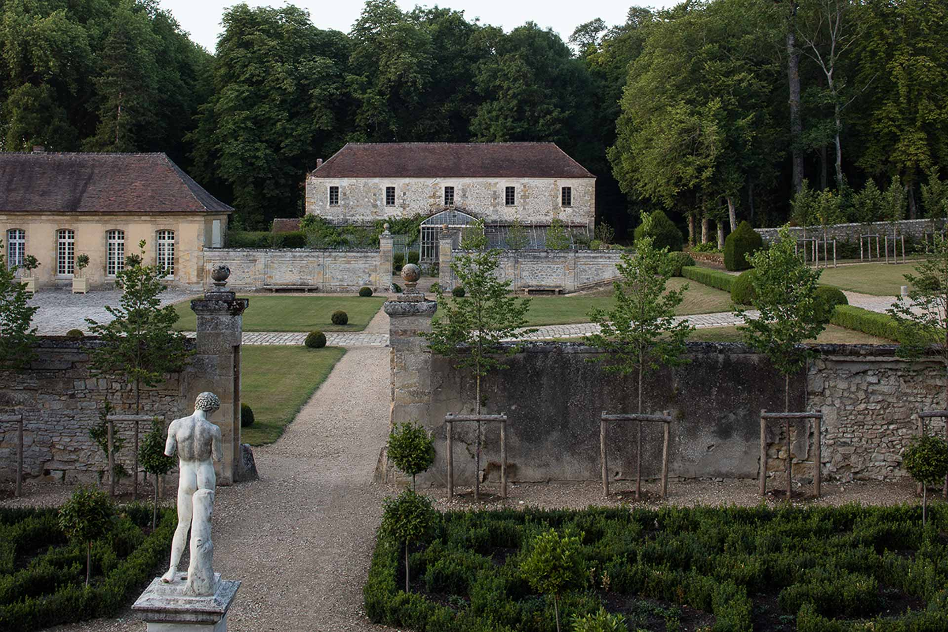 Chateau de Villette exclusive private estate historical venue for wedding seminar private dinner luxury service collection of antiques tapestries with modern comfort 12