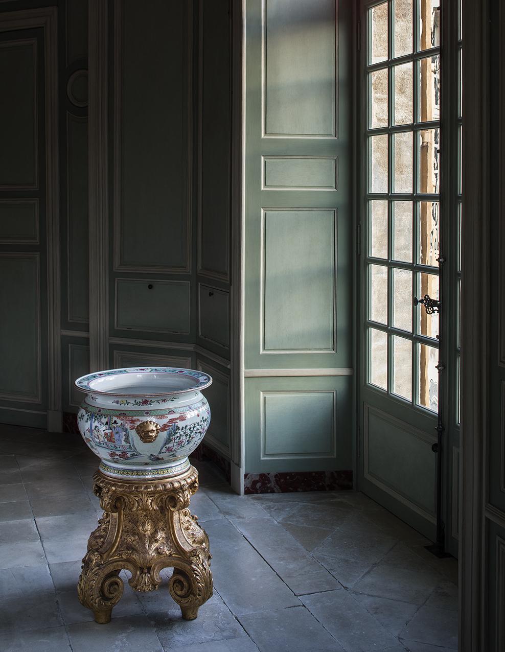 Chateau de Villette luxury property octagonal salon Chinese jardinier