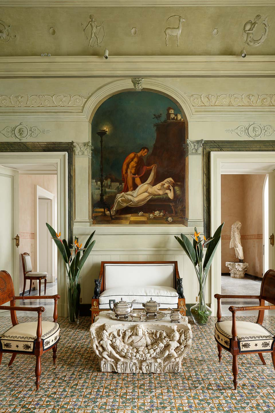 Villa Astor historical property luxury house Amalfi coast Sorrento salon Farfalle fresco relax drink area The Heritage Collection