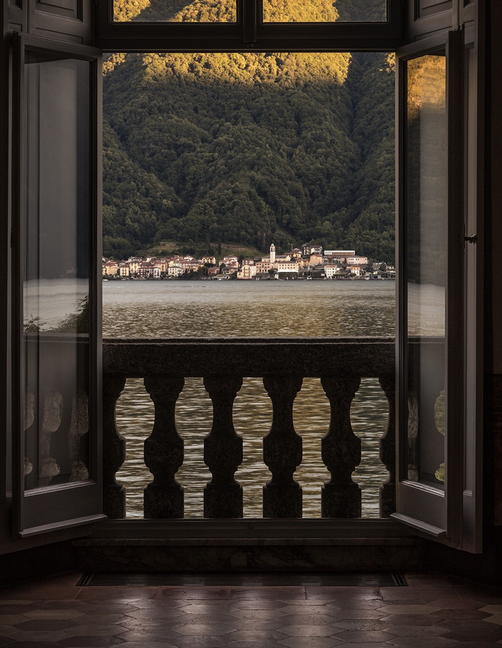 Villa Balbiano luxury lakefront villa available accommodation balcony with splendid view on lake Como 23.left000VB int