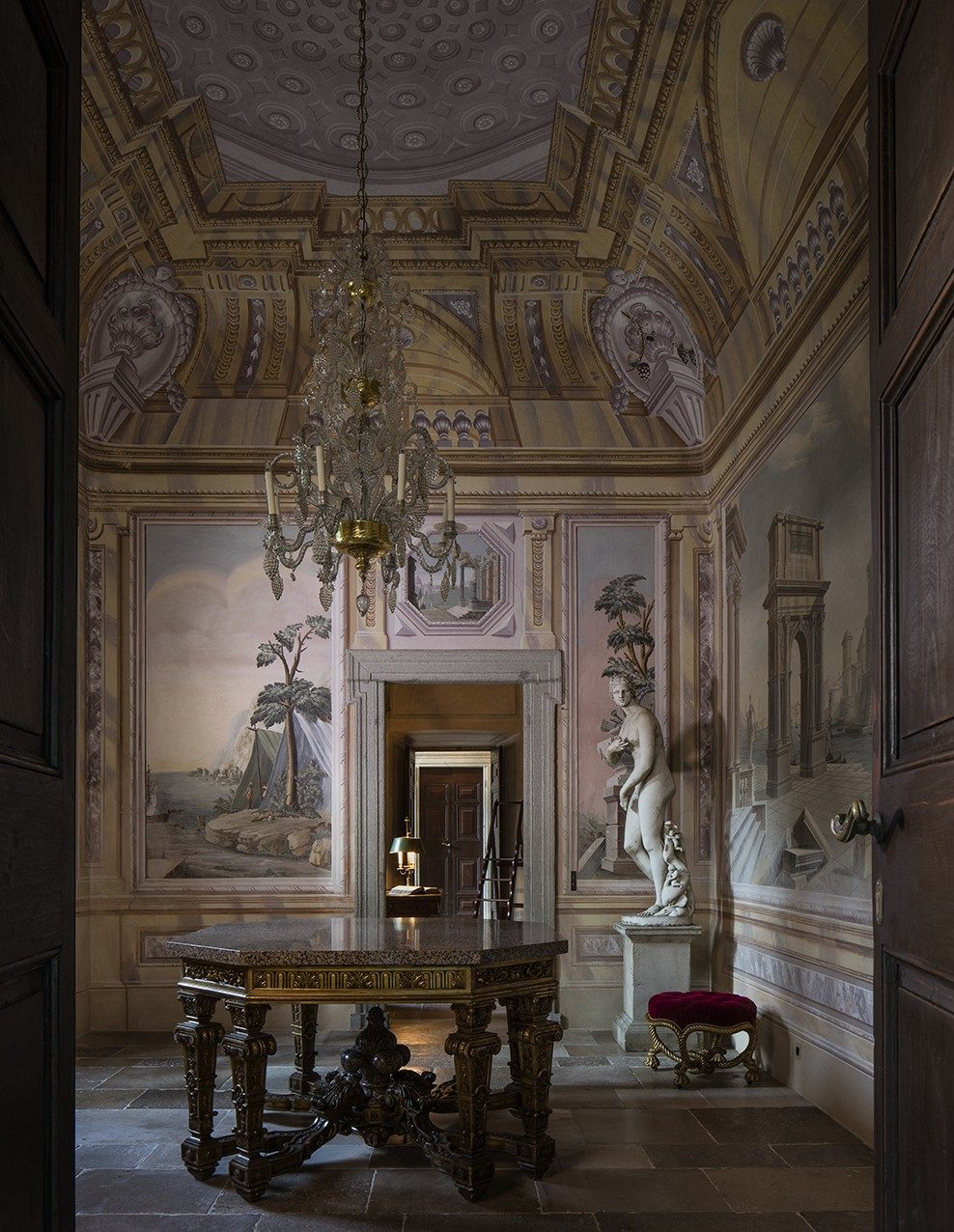 Villa Balbiano luxury private residence property Lake Como 17 century classic lavish best interiors antique collection Suites bedrooms accommodatiom living room marble statue e1573831729239