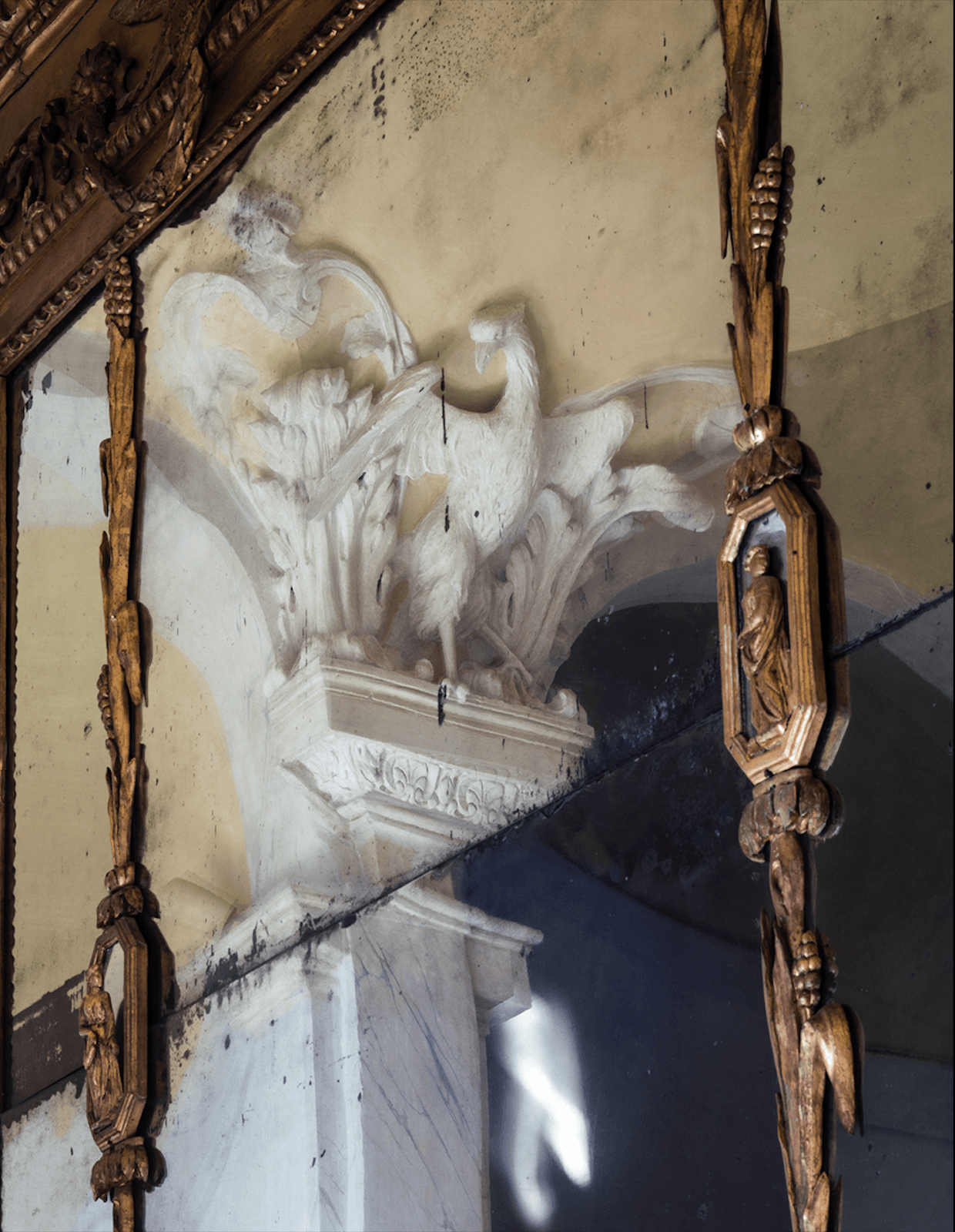 Villa Balbiano luxury property Lake Como Milan first floor gallery antique collection furniture marble details decor decoration exclusive service accommodation wedding events