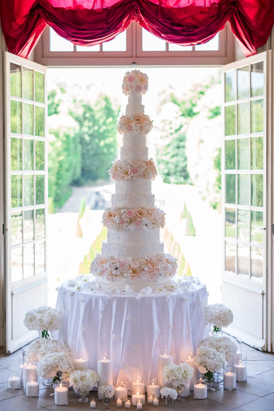 chateau de villette france luxury weddings french style chateau wedding ideas cake
