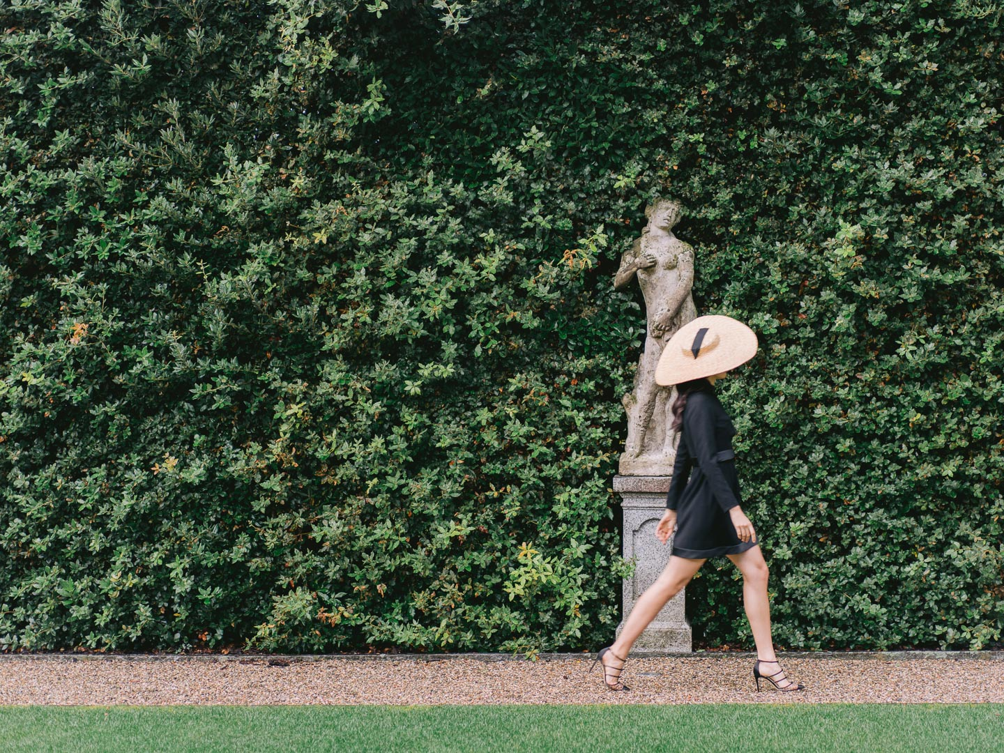 villa balbiano fashion inspiration editorial bella belle shoes campaign styled shoot location lake como
