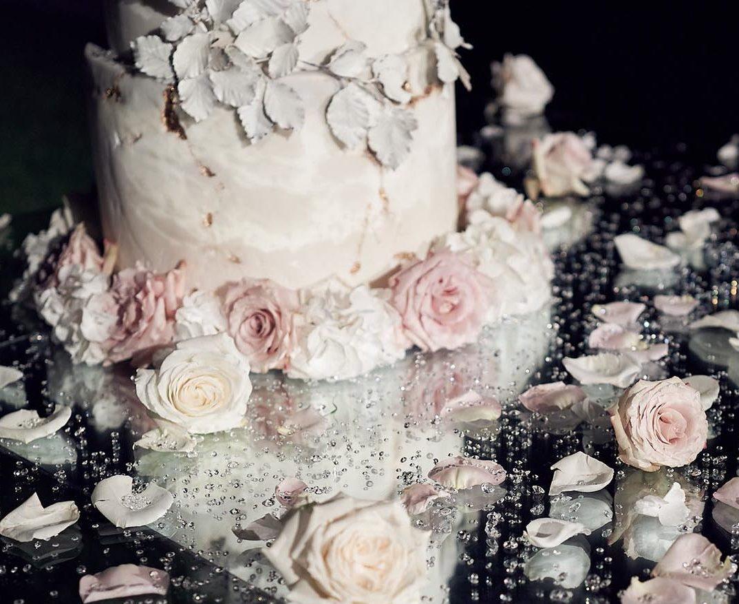 The Heritage Collection Villa Balbiano Astor Clara Chateau de Villette wedding cake