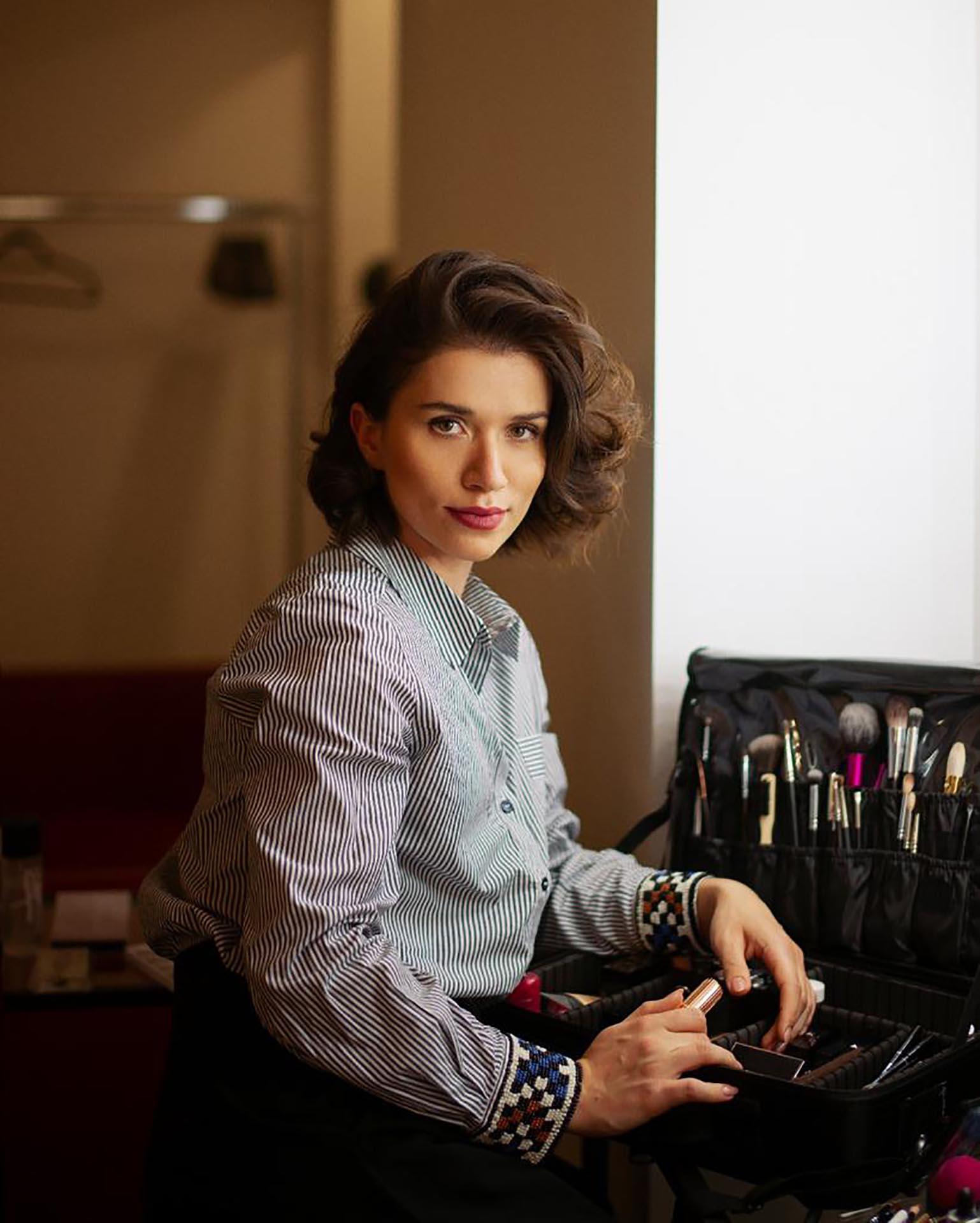 Anna Kalytyak makeup artist